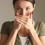 Кислый запах выделений — повод бить тревогу?