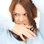 Прозрачные выделения перед месячными: о чем стоит сообщить своему гинекологу